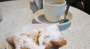 Cafe Du Monde - New Orleans, USA