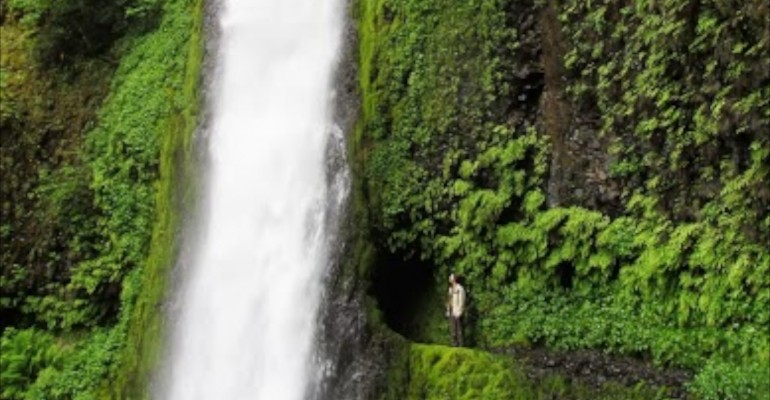 Tunnel Falls – Oregon, USA
