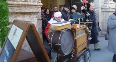 Bavarian Street Organ - Munich, Germany