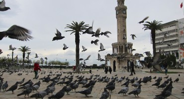 Konak Square – Izmir, Turkey