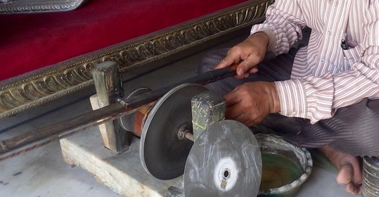 Jewel Polishing – Jaipur, India