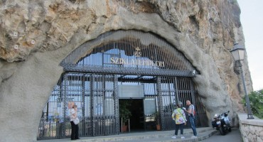 Sziklatemplom Cave Church – Budapest, Hungary